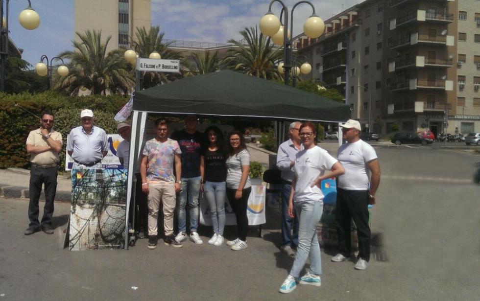 Arpa incontra i citadini - gazebo in piazza Falcone Borsellino